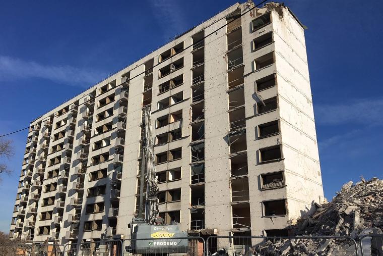 Quartier Saint Blaise à Bondy : bâtiment R+10